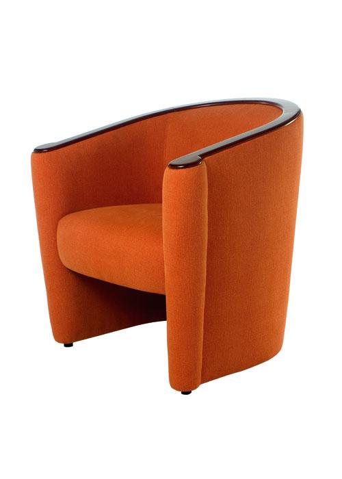 Sill n hotel y convenciones sillones y sillas madera for Sillones para oficina